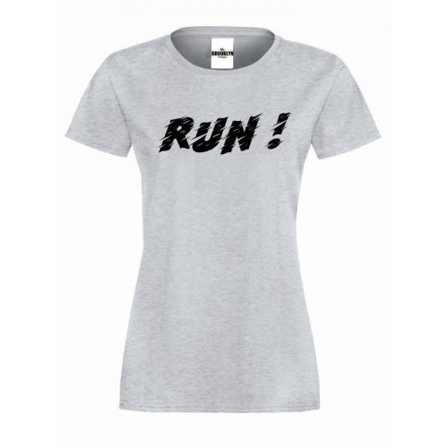 T-shirt lady RUN!