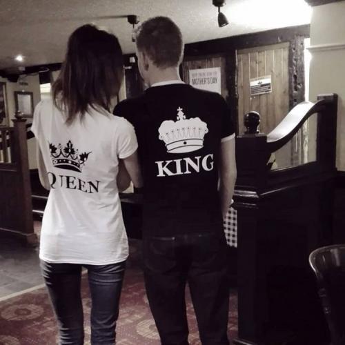 T-shirt DLA PAR 2 SZT QUEEN & KING CORONE napis z tyłu LADY FIT DLA NIEJ & OVERSIZE DLA NIEGO
