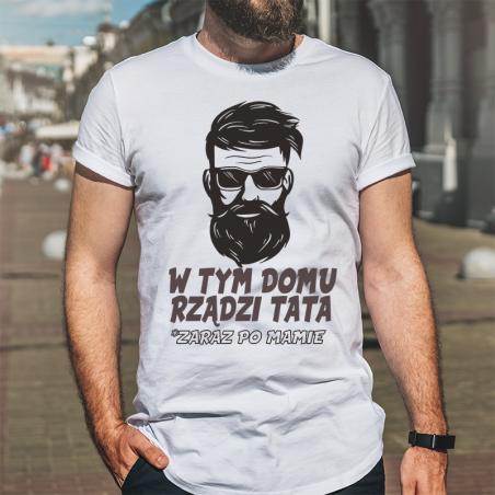 T-shirt oversize DTG W tym domu rządzi tata